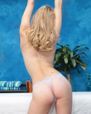 Sweet Blonde Girl Alli Rae Is Seduced And Fucked Hard By Her Massage Therapist - Picture 4