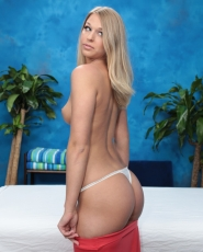 Sweet Blonde Girl Lacy Johnson Seduced And Fucked Hard By Her Massage Therapist - Picture 3