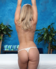 Sweet Blonde Girl Lacy Johnson Seduced And Fucked Hard By Her Massage Therapist - Picture 4